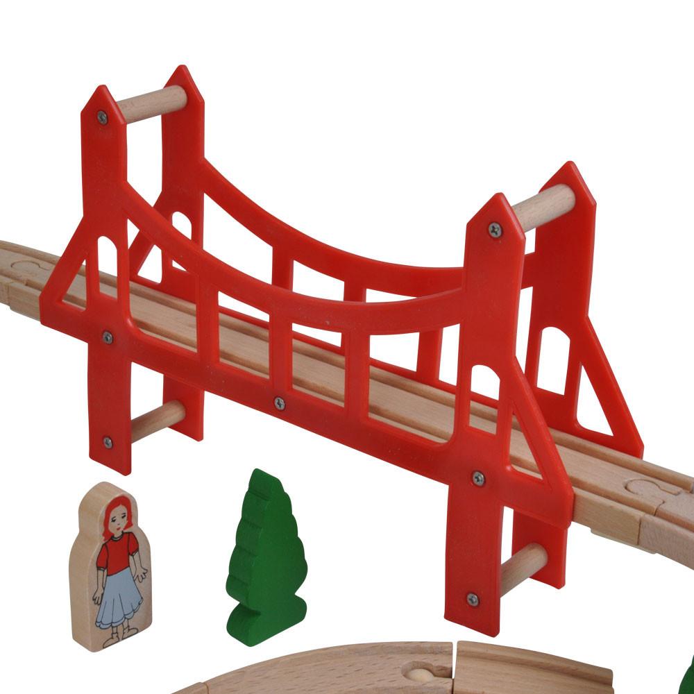 Met rode hangbrug.